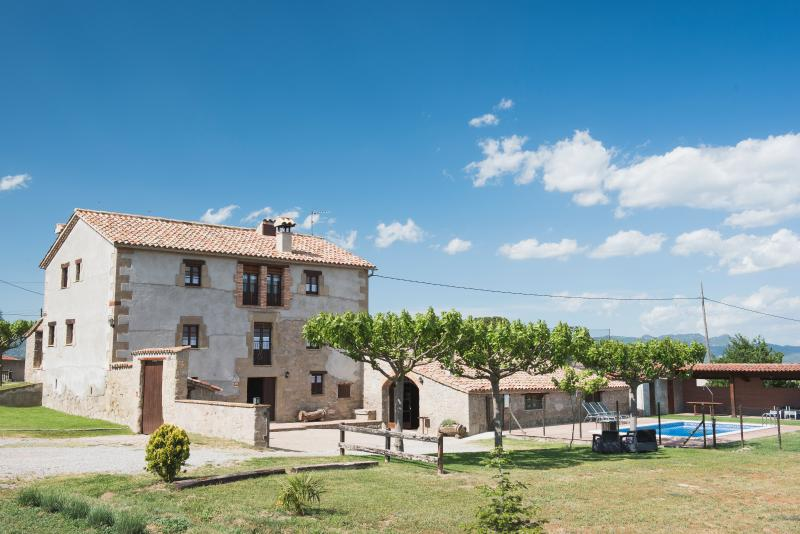 Vista general exterior. Casa rural LA CABANA (Berguedà, província Barcelona)