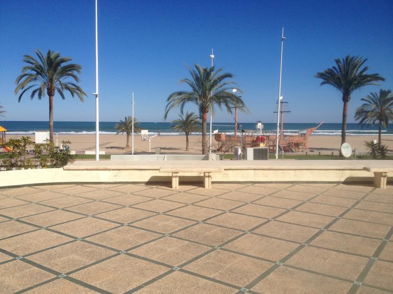 Alquiler apartamento 1ª línea playa Gandia, alquiler de vacaciones en Playa de Gandía
