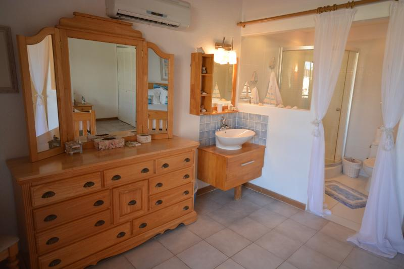 master bedroom & and ensuite