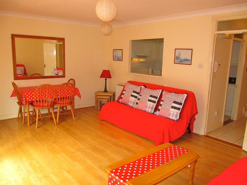 Bright spacious apartment in dublin city centre updated 2019 holiday rental in dublin for The living room dublin tripadvisor