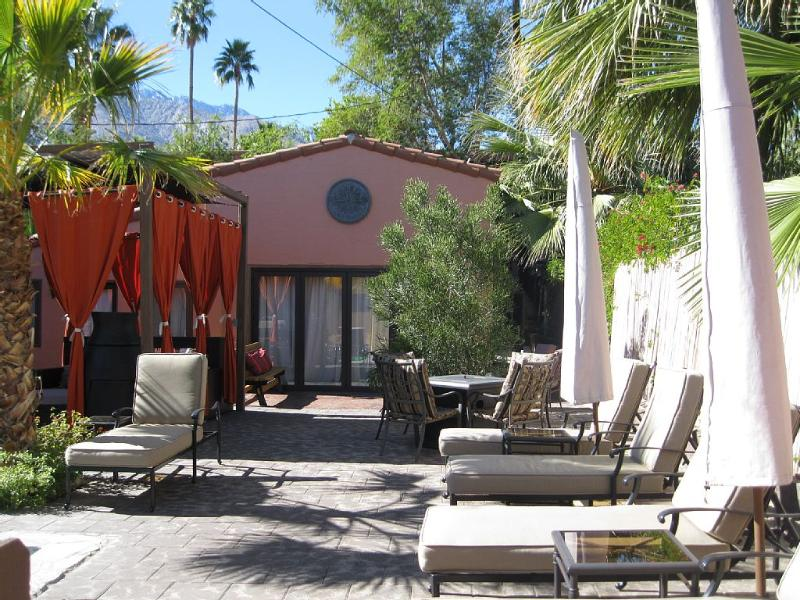 BNB, vacation rental in North Palm Springs