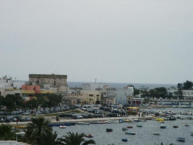 la vista di Porto Cesareo dalle terrazze
