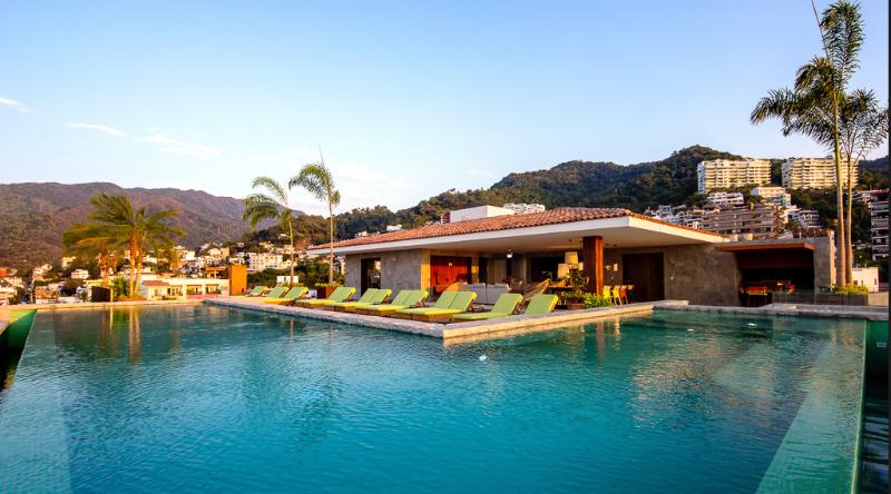 Roof Top Terrace - Infiniti Pool
