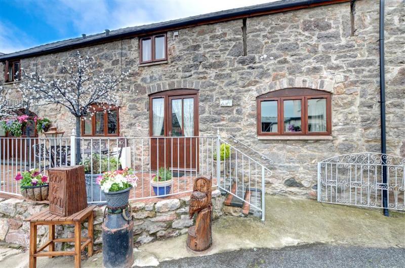 1 Dolwen Farm Shop (WAG501), vacation rental in Abergele