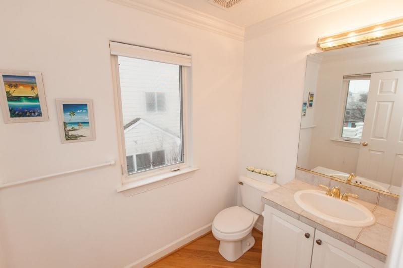 Hall Bath - Third Floor