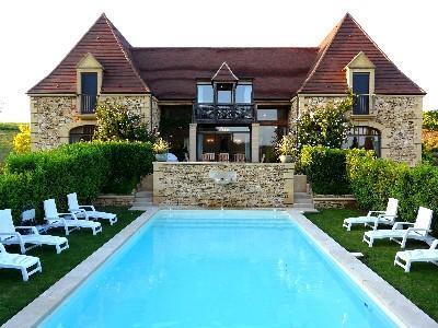 Magnificent 5 bedroom house in heart of Dordogne, location de vacances à Tamnies