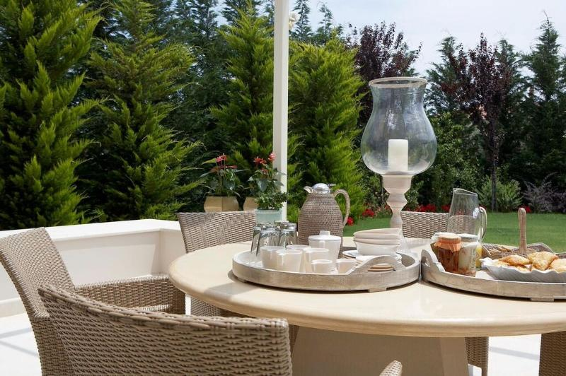 THA MARBLE RESORT - Villa Acanthus, vacation rental in Skroponeria