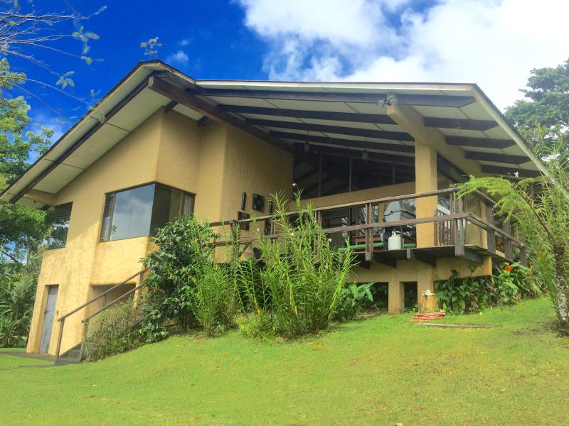 Private Lake Access / Volcano View/Car Available*, vacation rental in Nuevo Arenal