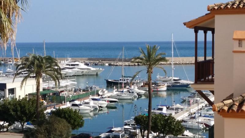 Belgravia Club - Frontal Beach Community, vacation rental in Estepona