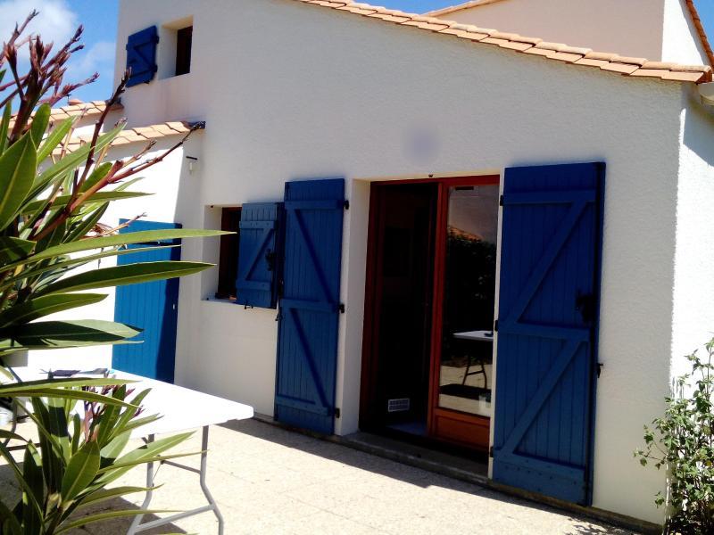 Villa 5 pers residence piscine tennis 2 velos, vacation rental in Saint-Palais-sur-Mer