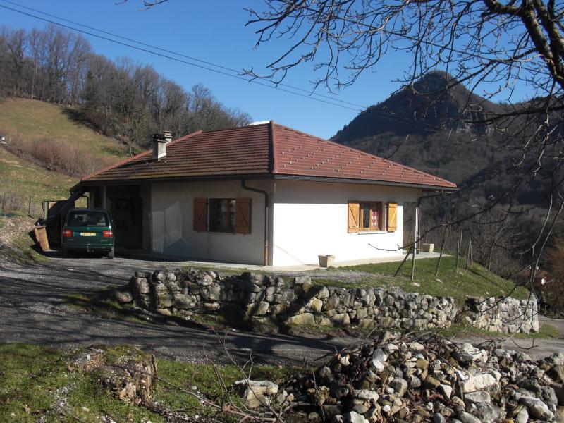 maison près du lac l'Annecy avec vue imprenable., location de vacances à Faverges