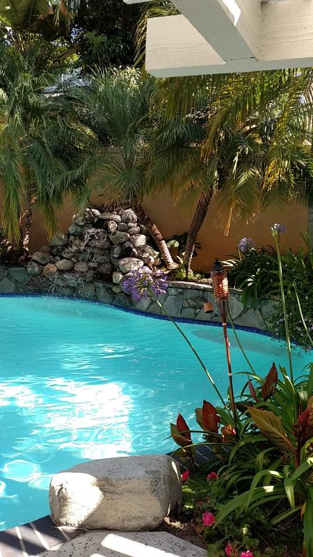 Large Tropical Home Heated Pool Has Private Outdoor Pool