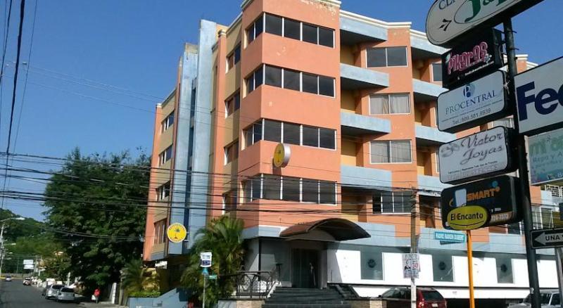 Aparta Estudio Amueblados Vacacionales, holiday rental in Santiago Province