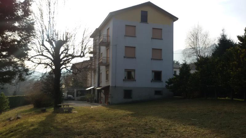 Rizzi House - CAGLIO (CO)  appartamento 3 camere, holiday rental in Caglio