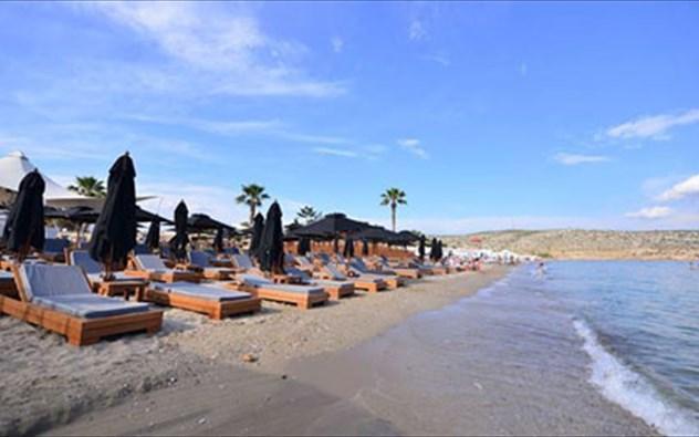 YABANAKI organized BEACH in   VARKIZA