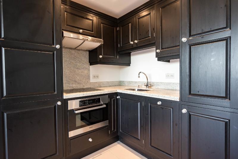 Independent Studio kitchenette