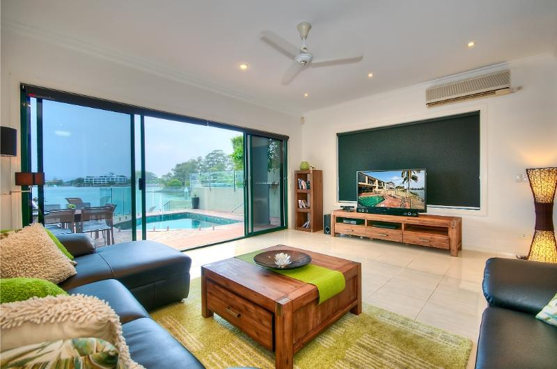 Lounge and Outdoor Area On Main River - Large Plasma TV, Foxtel, XBox, Bluray/DVD Player, Sound Bar