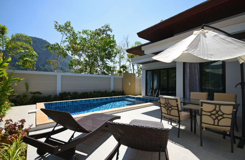 Baan Ping Tara Private Pool Villa + Scooter, holiday rental in Ao Nang