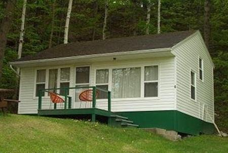 Pine Haven Cottages and Campground, Westport ON, alquiler de vacaciones en Delta