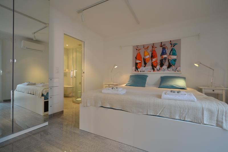 Bedroom nr 1 with ensuite bathroom