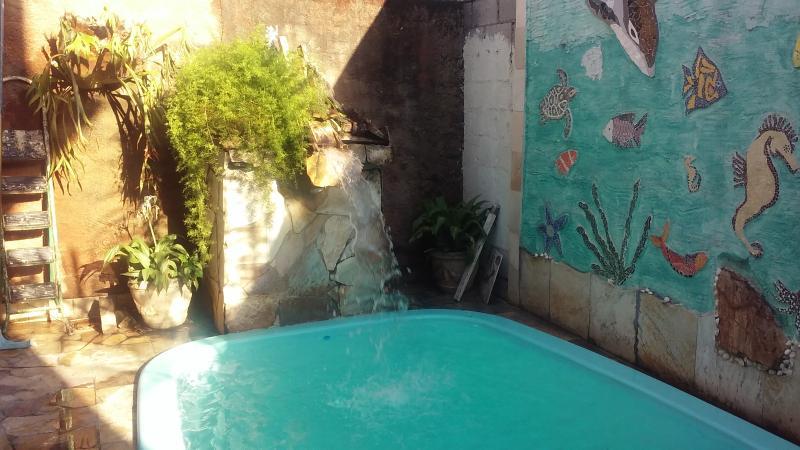 ALUGO PARA JOGOS OLIMPICOS CASA 2 QUARTOS COM PISC, aluguéis de temporada em Nova Iguaçu