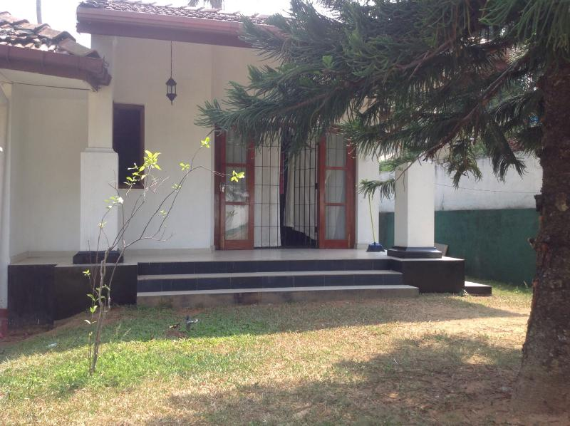 Citrus Garden,  for short / long term stay, vacation rental in Colombo