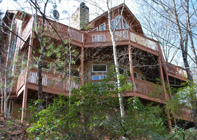 Southern Comfort in Helen City Limits overlooks Helen Valley!  Drive up from the Chattahoochee River
