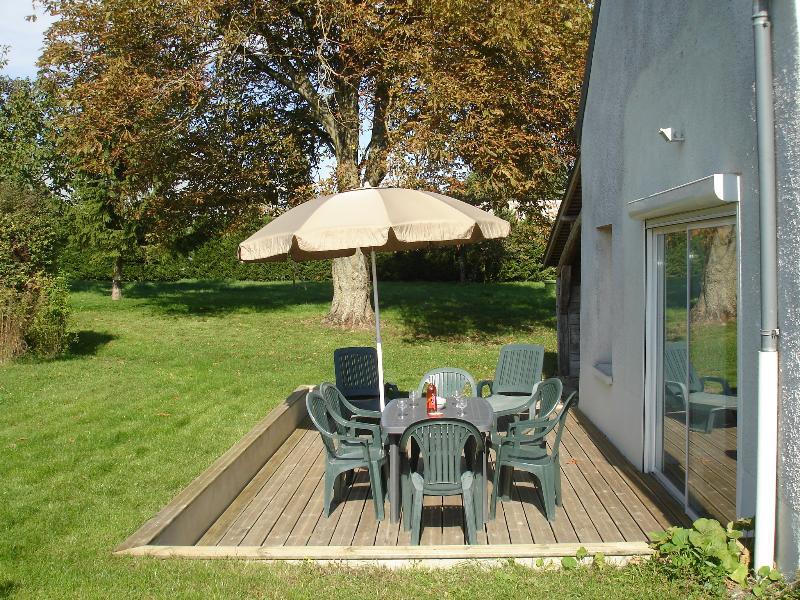 Terrasse bois et jardin privatif