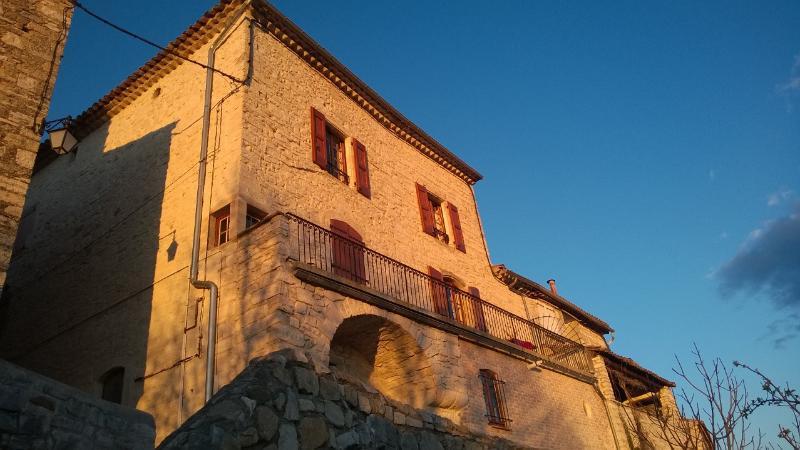 Bâtisse de Caractère, holiday rental in Saint-Maurice-de-Cazevieille