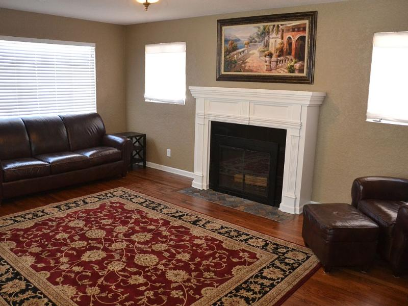 Beautifully remodeled home near Cahoon Park, alquiler de vacaciones en Roswell