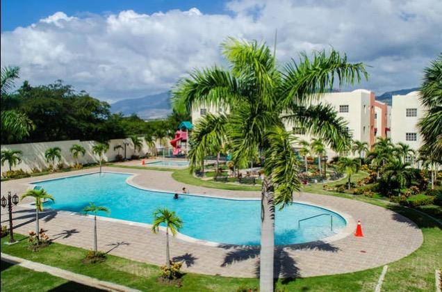 Colorful Apt W/ 3 A/C Free WIFI & Cable, Ferienwohnung in Dominikanische Republik