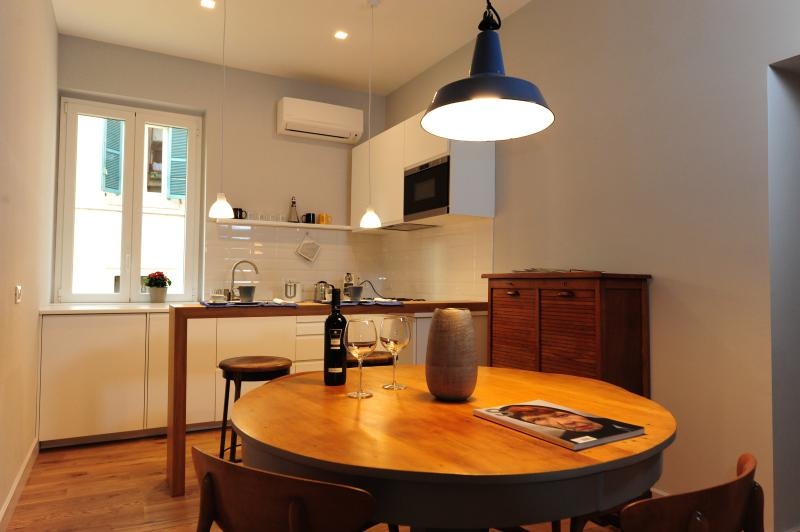 Fotofever apartment  two minutes walk from Vatican