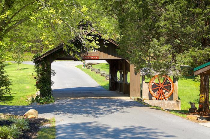 Cedar Crossing Entrance