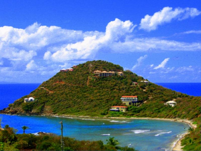 Romantic Cottage Open Dec.30- Jan.8, Feb. 7- 14, Hot Tub, A/C.WiFi, King Bed, vacation rental in St. John