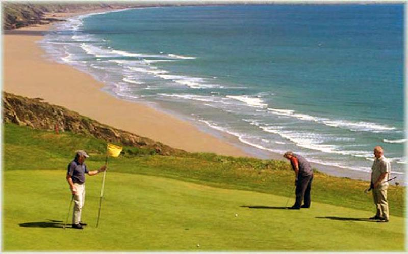 Fabulous 18 hole Golf Course on your Door Step