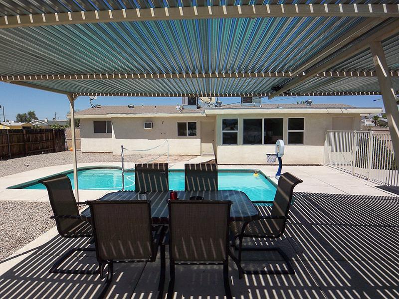 THE CLOSEST HOUSE IN HAVASU!!, holiday rental in Lake Havasu City