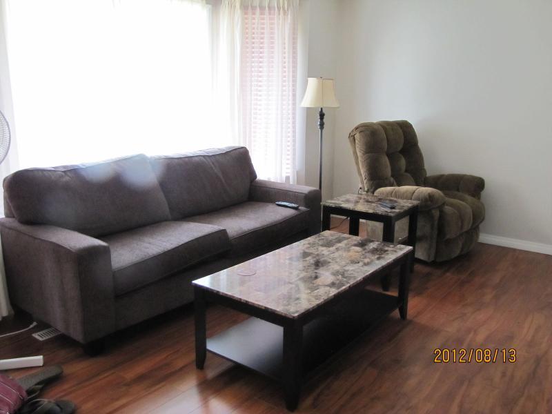 FURNISHED HOUSE FOR RENT IN FORT SASKATCHEWAN, holiday rental in Fort Saskatchewan