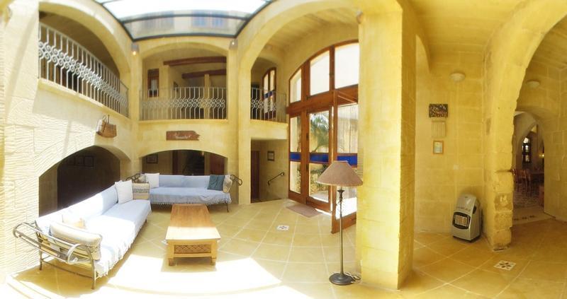 Ta' Peppi - Beautifully Converted Farmhouse, vakantiewoning in Gharb
