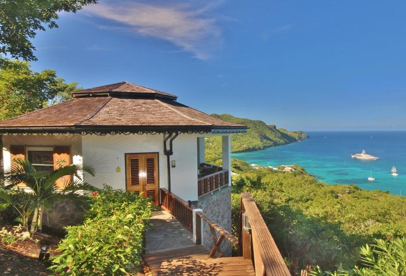 Hibiscus offers absolute privacy, amazing accommodation and breathatking views