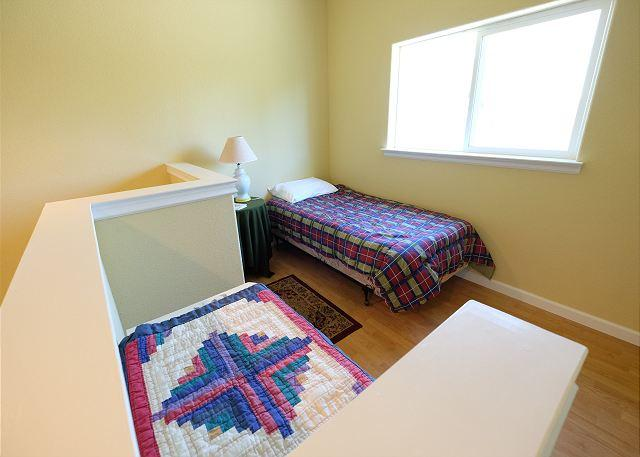Loft in bedroom 4