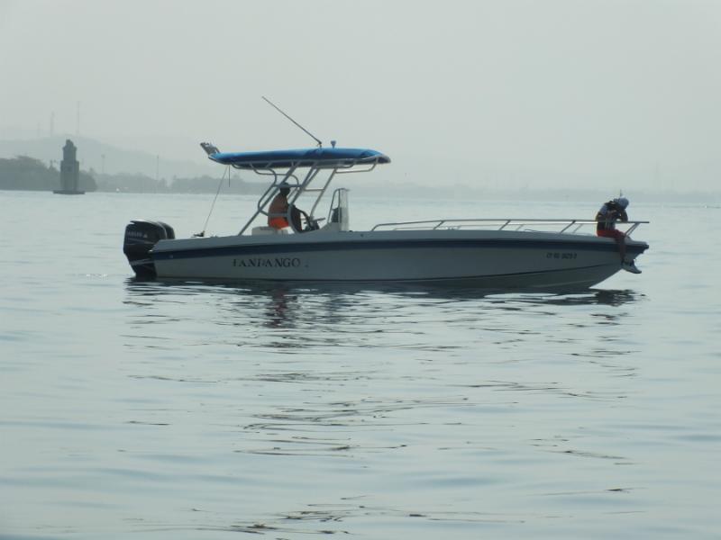 Luxury boat rental in Cartagena, visit the Rosario Islands