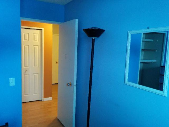 Nice Room by Canyon Meadows LRT: Only for Male, casa vacanza a De Winton