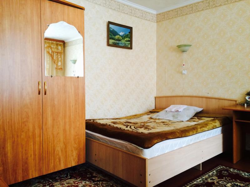 Гостевой Дом 'Кундуз' (Guesthouse 'Kunduz'), vacation rental in Kyrgyzstan