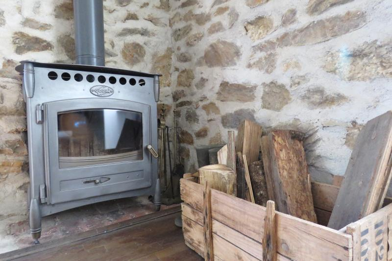 wood burner, close the shutters, heat the burner and you are garantueed a warm cottage