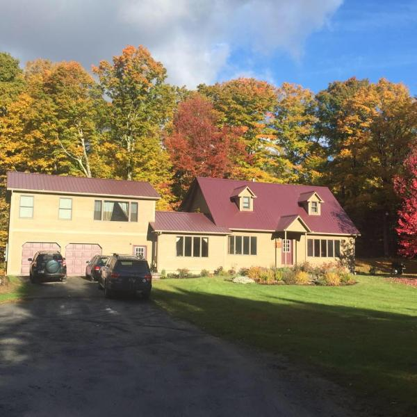 BEAUTIFUL 'Burke View', East Burke, VT Sleeps 14, vacation rental in Glover
