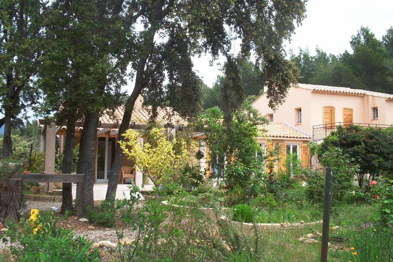 villa la colline, Ferienwohnung in Lauris
