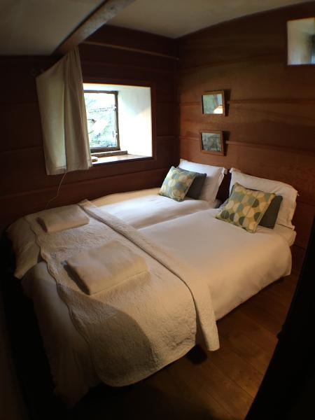 Twin/Double bedroom