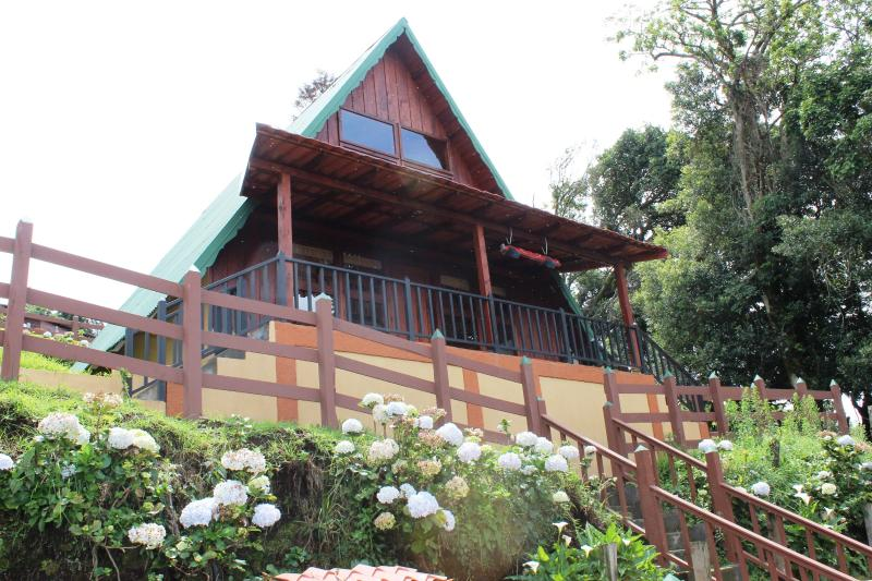 Costa Rican Boutique Mountain Homes with Views, alquiler vacacional en Poasito
