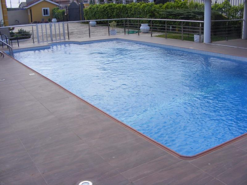 8 bedroom house with a swimming pool furnished updated - Summer house with swimming pool review ...
