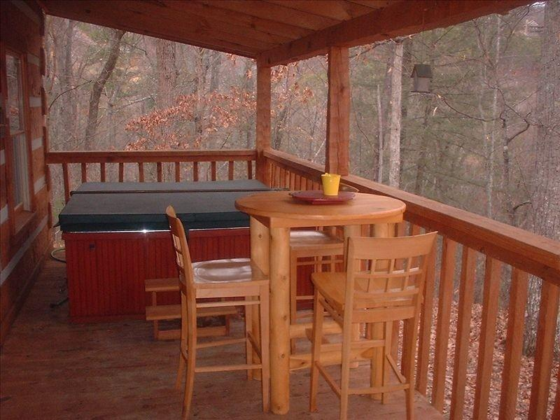Another cozy spot near the hot tub.